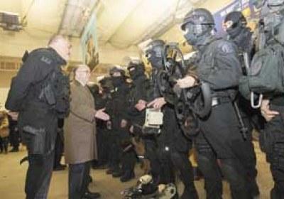 أخبار عربية وعالمية  الحكومة الفرنسية تقترح تمديد الطوارئ شهرين  المدعي العام الإيطالي يربط بين «داعش» والمافيا