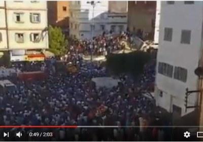 انهارت  مساء اليوم الجمعة في مدينة الدار البيضاء عمارة سكنية بالمغرب