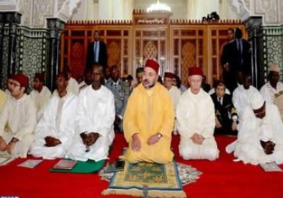 أمير المؤمنين يؤدي صلاة الجمعة بالمسجد الكبير بدكار