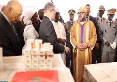 جلالة الملك يشرف على تسليم هبة عبارة عن أدوية للمجلس الوطني السنغالي لمحاربة داء السيدا