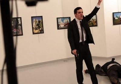وردت أنباء عن مصدر أمني وفاة السفير الروسي لدى تركيا إثر الهجوم المسلح.
