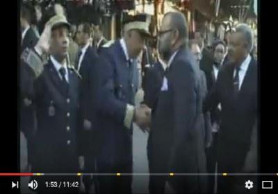 فيديو رائع للملك محمد السادس اليوم بساحة جامع لفنا – مراكش